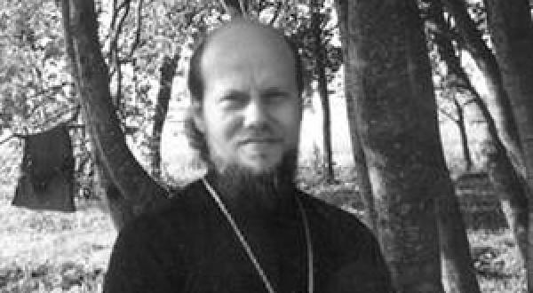 Развратные священники занимаются сексом с женщинами